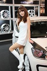 東京オートサロン2013 スポーツテクニックブース キャンギャルのお姉さん