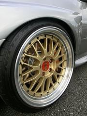 スバル・インプレッサS204フロントタイヤ