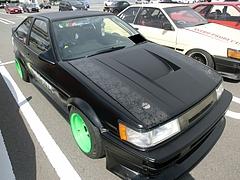 トヨタ カローラ・レビン(AE86) 右前