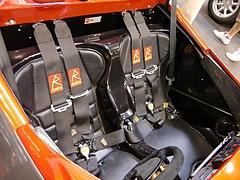 ラディカルSR8運転席