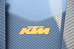 フロントマスクKTM・X-BOWエンブレム