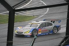 鈴鹿最終コーナーのR&D SPORTレガシィB4