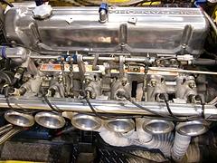 L28改3.1リッターエンジンとTWM6連スロットル