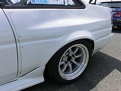 痛車トヨタ・カローラレビン(AE86)リヤフェンダー
