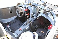 フロントマスクKTM・X-BOW車内
