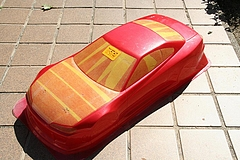 メタリックレッド3度塗り後のボディ