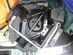 レガシィ(BP5)のタイヤ交換キット