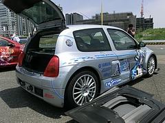 痛車ルノークリオV6左