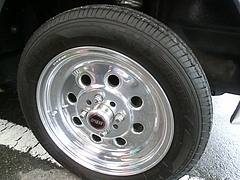 ハコスカ日産スカイライン(GC10)フロントタイヤ