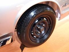 日産スカイラインGT-R(KPGC10)タイヤ