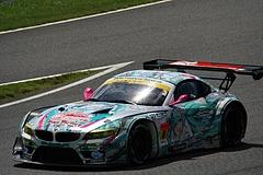 GSR初音ミクBMW・Z4GT3鈴鹿ホームストレート