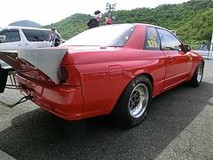 ドラッグマシン日産スカイラインGT-R(R32)右後ろ