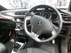 シトロエンDS3スポーツシック運転席