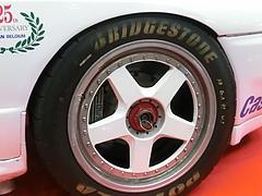 ZEXELスカイライン(R32)フロントタイヤ