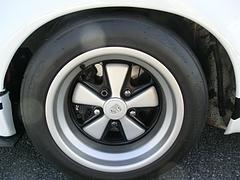 ポルシェ911RSRフロントタイヤ