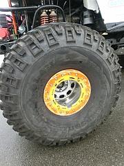 モンスター4WDフロントタイヤ