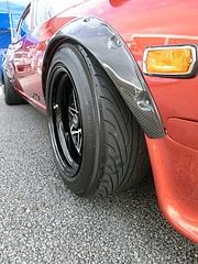 日産フェアレディZ(S30)フロントタイヤ