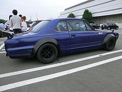 日産スカイライン(ハコスカ)KGC10右側面
