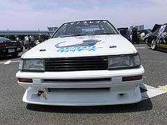 痛車トヨタ・カローラレビン(AE86)フロントマスク