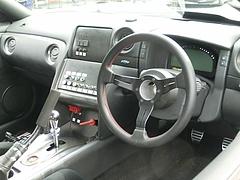 日産GT-R(R35)運転席