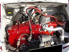 フィアット アバルト595エンジンルーム