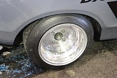 ダットサン・サニー(B210)フロントタイヤ
