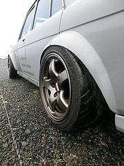 日産・ブルーバード(510)リアタイヤ