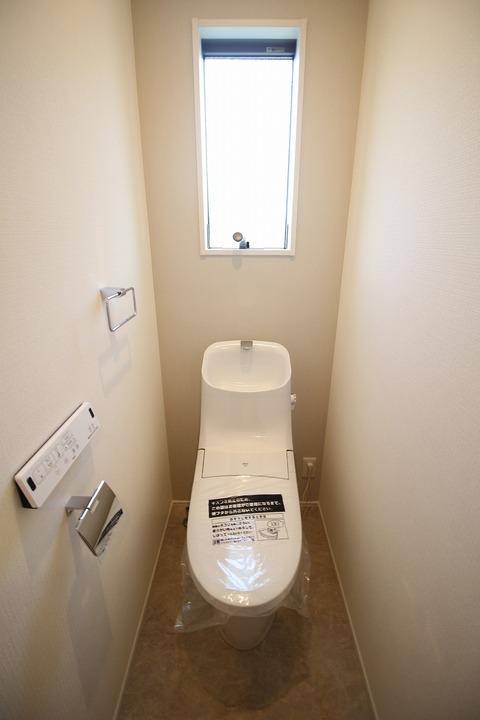 トイレ1階
