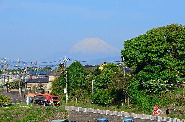 綾瀬スポーツ公園からの富士