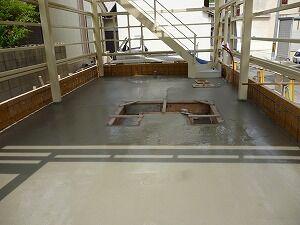 鉄骨造2階建てガレージコンクリート打設