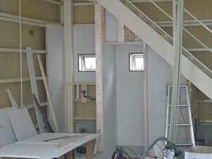 鉄骨造2階建てガレージ内部造作工事
