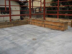 鉄骨造ガレージ立ち上がり部コンクリート打設