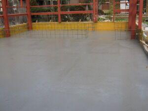 鉄骨造土間コンクリート打設