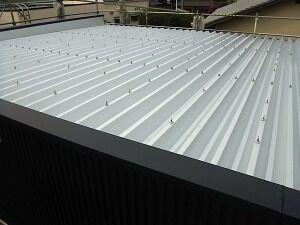 鉄骨造ガレージ屋根状況