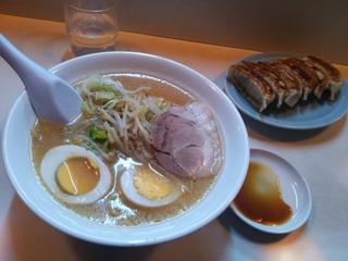 味噌ラーメン+餃子