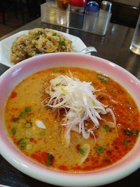 担々麺セット(890円)