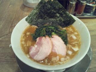 ラーメン街道一番星横須賀カレー味