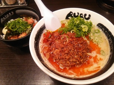 肉BUBUとそぼろ丼