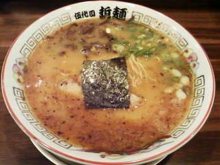 豚骨醤油ラーメン