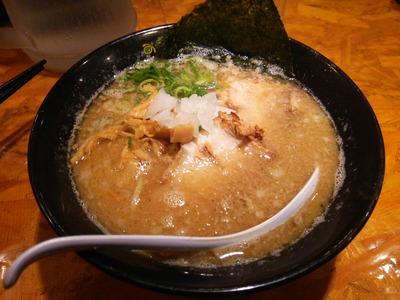 魚介醤油こってりらーめん(680円)