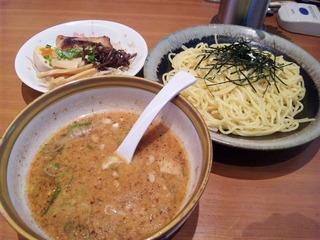 スペシャルつけ麺[中盛]