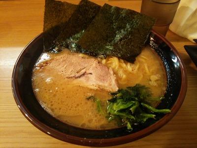 ラーメン700円