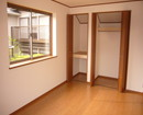 2階の1室、収納も多し