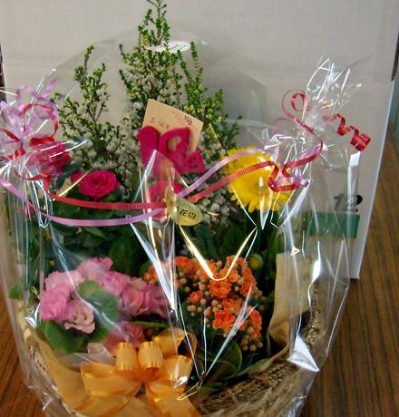 お誕生日に、花かごセットのプレゼント