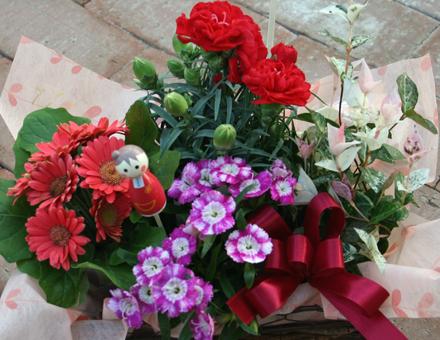 ガーベラなど花のかごセット