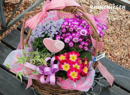小さい花かご