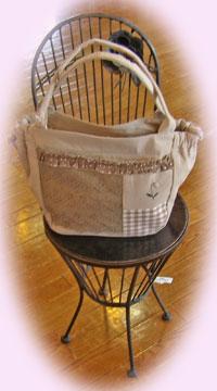 花台とレースのバッグ
