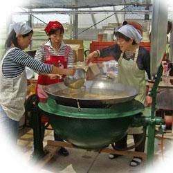 大鍋の豚汁に挑戦!