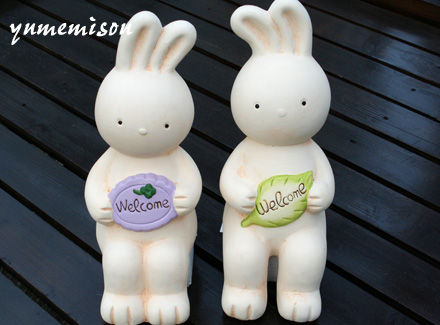ウサギのガーデンドール