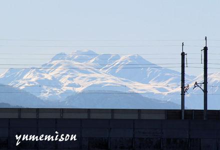 お店の前から見た白山